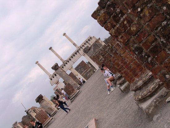 Pompeii Archaeological Park: Basilica.