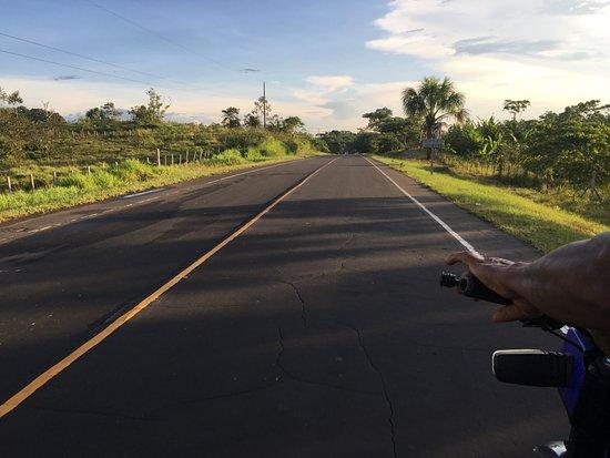 Iquitos, Peru: La carretera