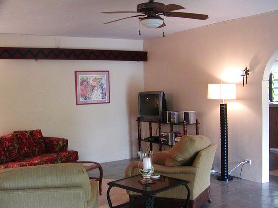Guava Road Apartments: 2018 Downstairs Unit Living Room