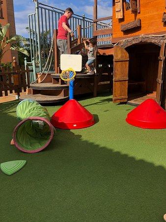 Green Garden Resort & Suites: Children's playground