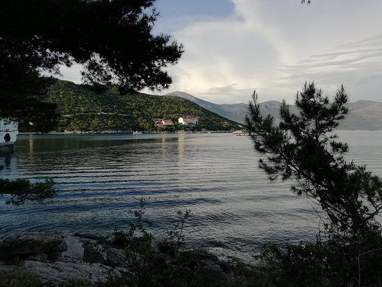 Sudurad, Croatia: Looking back at the hotel from across the bay