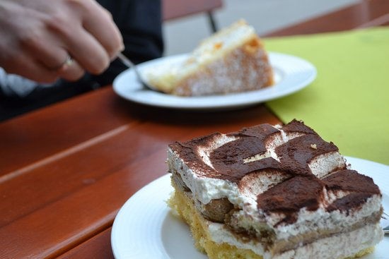 Untergriesbach, Deutschland: Kuchen Kornexl