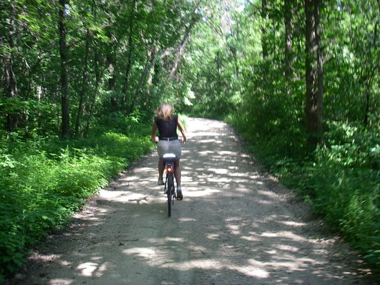 Trempealeau, WI: Small portion of the Great River Bike trail, Fantastic ride.