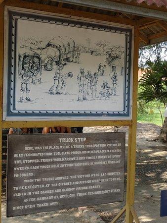 Τα Πεδία Θανάτου (Τσέουνγκ Εκ): One of many placards with information