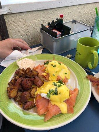 Banana Cafe: Salmon Eggs Benedict