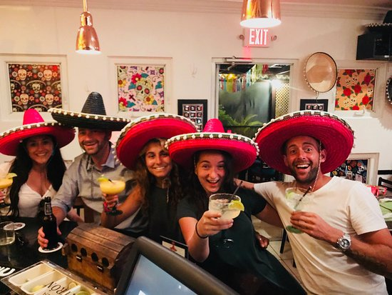Taco Cantina Mexican: Good times at the bar! this pic says it all :)
