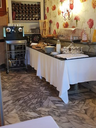 Fontenai-sur-Orne, France: Hotel Le Faisan Dore