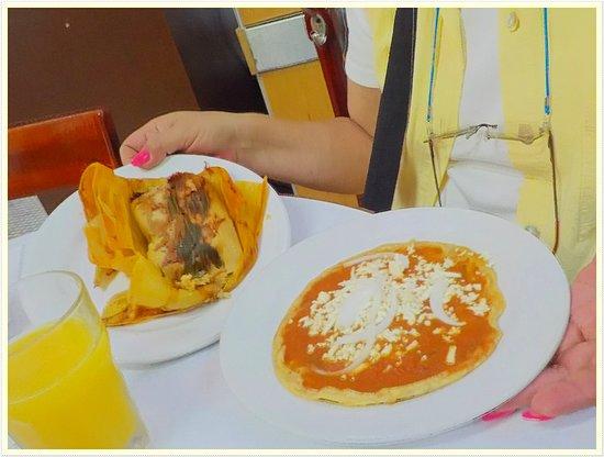 La Parroquia de Veracruz: Delicioso Tamal de elote y Picada Roja
