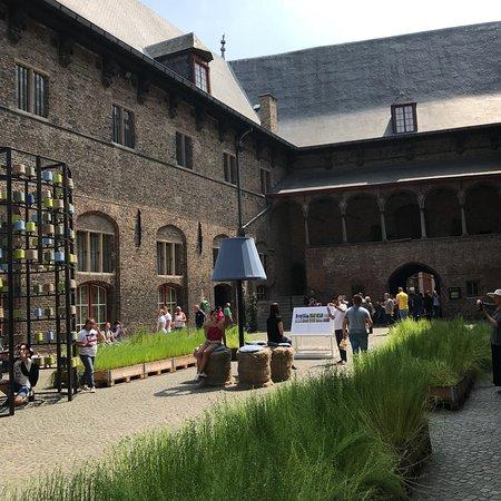 Belfry and Market Halls Resmi