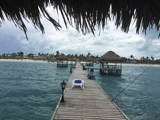 Melia Cayo Guillermo: End of the pier looking in