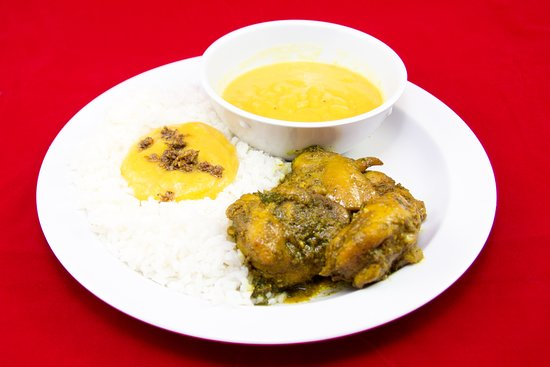 Singh's Roti Shop & Bar: Stewed Chicken with Dhal and White Rice
