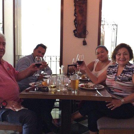 Soberana Steakhouse: La verdad el proyecto👌🏻La parte de compartir coincidiendo con los tuyosss!muy bien atendido,cu