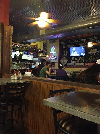 Bayou Jacks Cajun Grill: Seating and bar