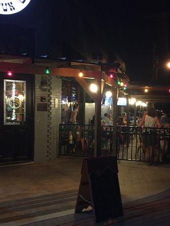 Roanoke, TX: Outside dining from entrance