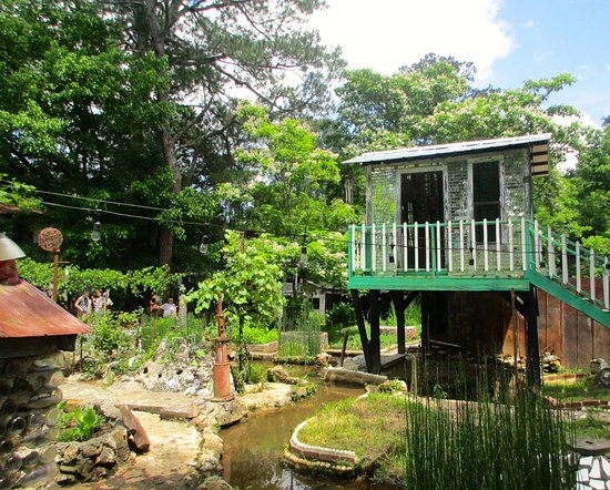 Folk Art Chapel - Picture of Paradise Garden, Summerville - TripAdvisor