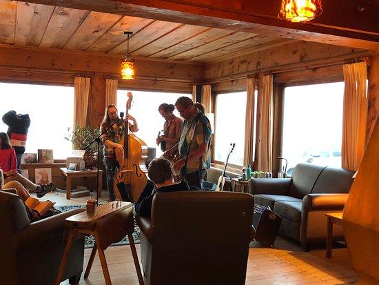 Lutsen, MN: Live music