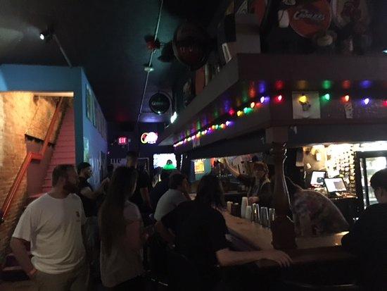 Zephyr Pub