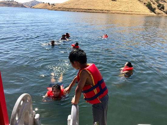Lemon Cove, Kaliforniya: kids having fun