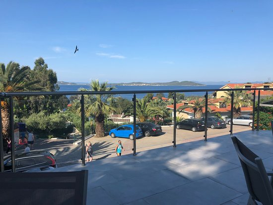 Aristoteles Holiday Resort & Spa: Renting a boat to islands