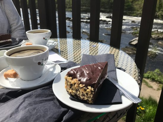 The Inn on the Tay : Home made chocolate cake