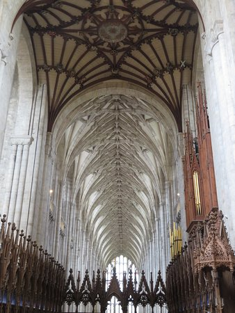 Winchester Cathedral: Amazing architecture