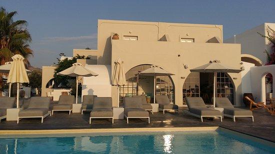 soggiorno a Santorini - Recensioni su Elmarel Villas, Kamari ...