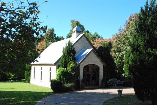 Cedar Creek Estate Restaurant: The lovely wee Chapel.