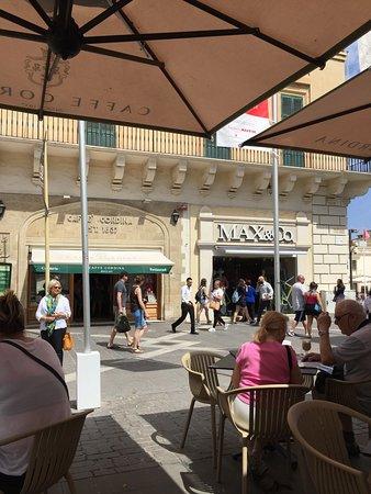 Caffe Cordina, Valletta