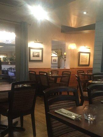Cottons Notting Hill: Restaurant interior.
