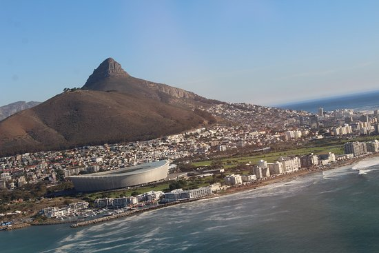 Two Oceans Scenic Helicopter Flight from Cape Town: after start, lions head and stadium