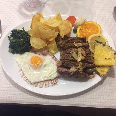 Amora, Portugal: Belo almoço após uma manhã de trabalho....👍