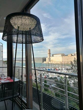 Novotel Cafe Marseille Vieux Port: Le Lacydon