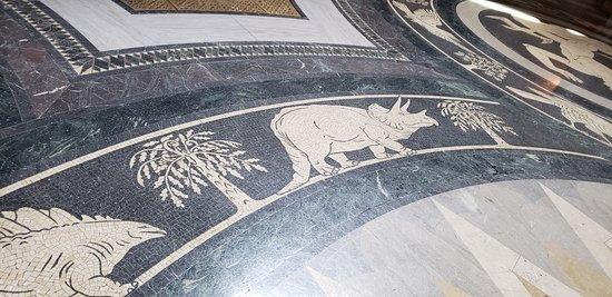 Nebraska State Capitol: Dinos on the floor