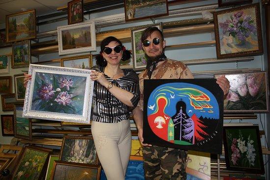 La Boheme Artistique: Наталья Красовская и Александр Гермесов со своими картинами.