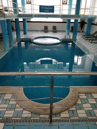 The Bugibba Hotel: Hotel outdoor and indoor pool