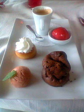 Lorp Sentaraille, France : Café gourmand