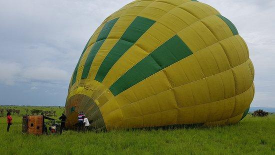Instinct Safaris Limited: Hot Air Balloon in Murchison National Park