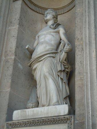 Μουσείο του Λούβρου: Cour carrée - Apollon