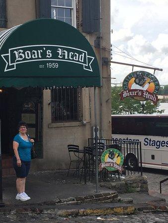 Boar's Head Grill & Tavern: Outside the restaurant