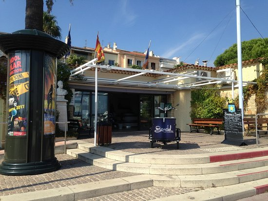 Tourist Information Office of Bandol