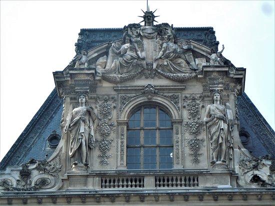 Μουσείο του Λούβρου: Pavillon Daru - La Sculpture et la Peinture