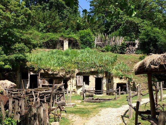 La Vallée Troglodytique des Goupillières : One of the troglodyte farm to visit