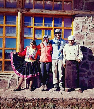 Andean Lodges: Com os amigos Rustino (nosso chef de cozinha) e Neli (housekeeper), pessoas muito queridas!!!