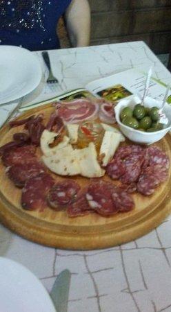 Forino, Italy: Tagliere di salumi e formaggi!