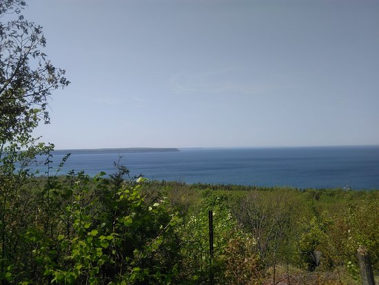 Bruce Peninsula, Canada: views of the Georgian bay from lookout trail