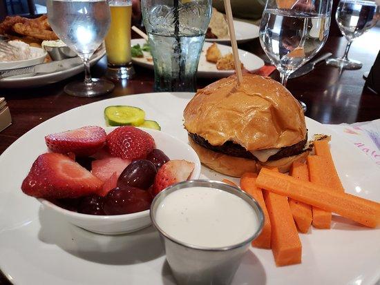 Bedford, NH: Kids cheese burger