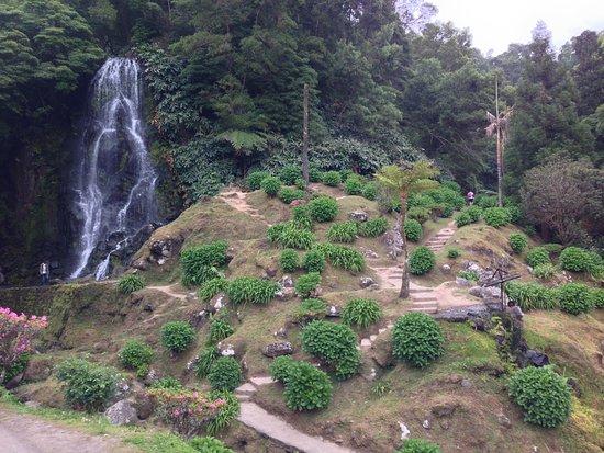 Parque Natural da Ribeira dos Caldeiroes: waterfall1