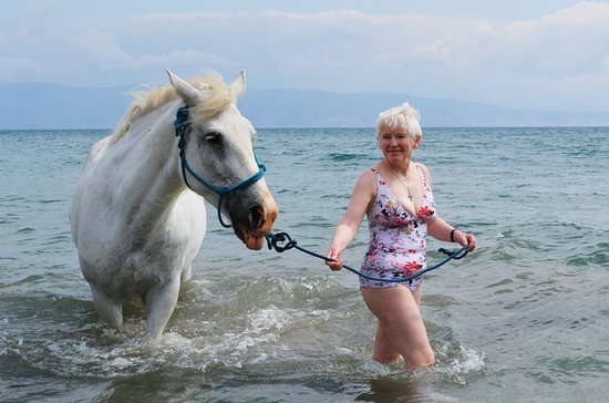 Perithia, Greece: In the sea with the lovely Rea