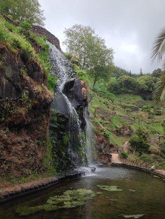 Parque Natural da Ribeira dos Caldeiroes: waterfall2