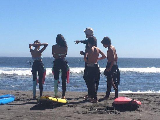Curanipe, ชิลี: Preparandose para ir a surfear